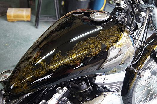 H-D 08FXSTC [Gold-Graphics] Custom paint image