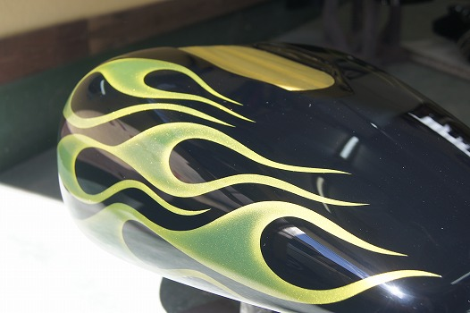 H-D 05FXD [Yellow Flames] Custom paint image