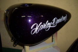 H-D 06FLSTC [Purple Graphics]