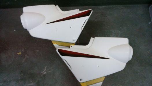 カスタムペイント工程 CB1300サイドカバーの画像