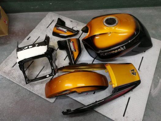 カスタムペイント工程 カワサキ ZRX 1200の画像