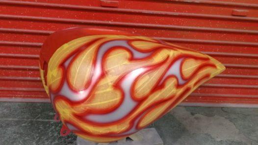 カスタムペイント工程 ブレイクアウト タンク '奈良フレイムス'の画像