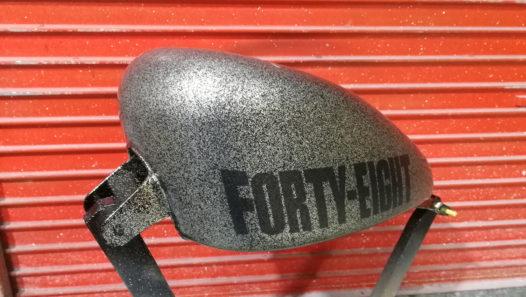 カスタムペイント工程  FORTY-EIGHTタンクの画像